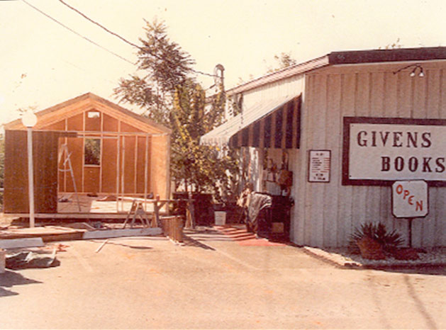 Little Dickens being built in 1989 next to Givens Books.